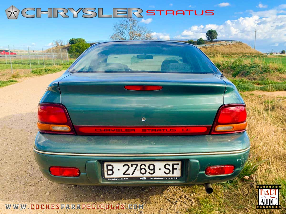 Alquiler de coches de escena Chrysler Stratus trasera
