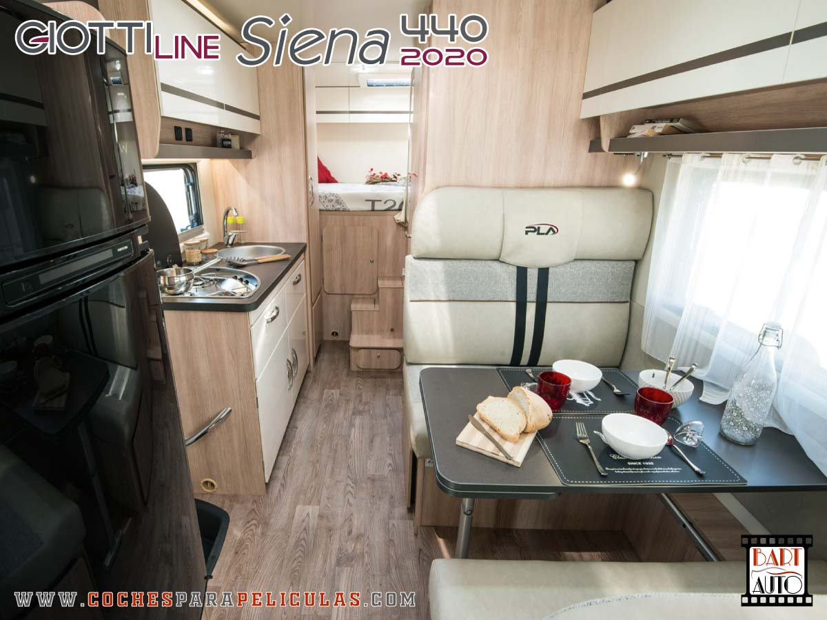 Autocaravana para rodajes Giottiline Siena 440 2020 salón
