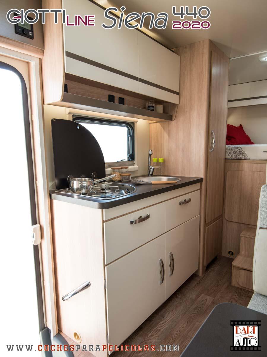 Autocaravana para rodajes Giottiline Siena 440 2020 cocina