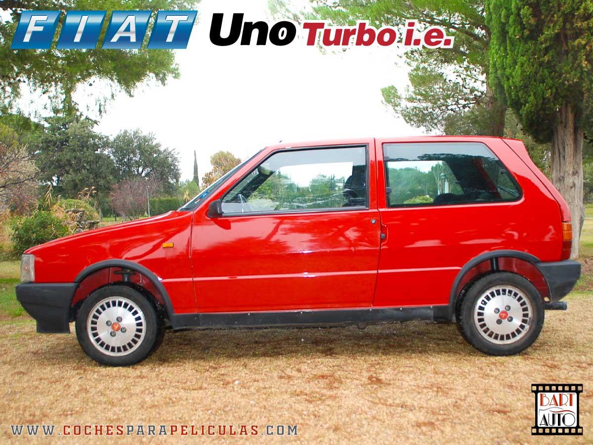 Fiat Uno Turbo para películas lateral