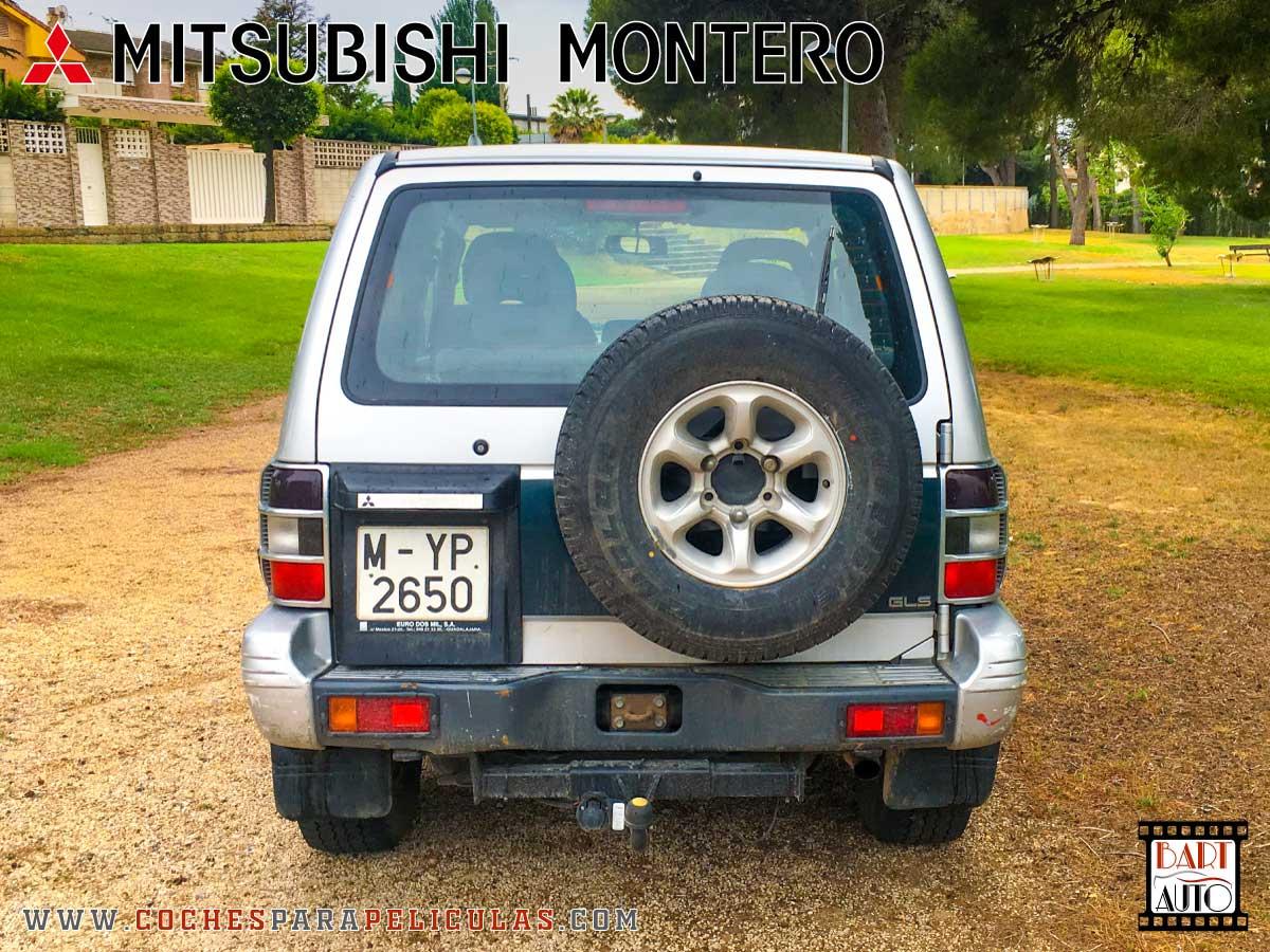 Mitsubishi Montero para películas trasera